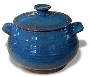 Beanpot with cover